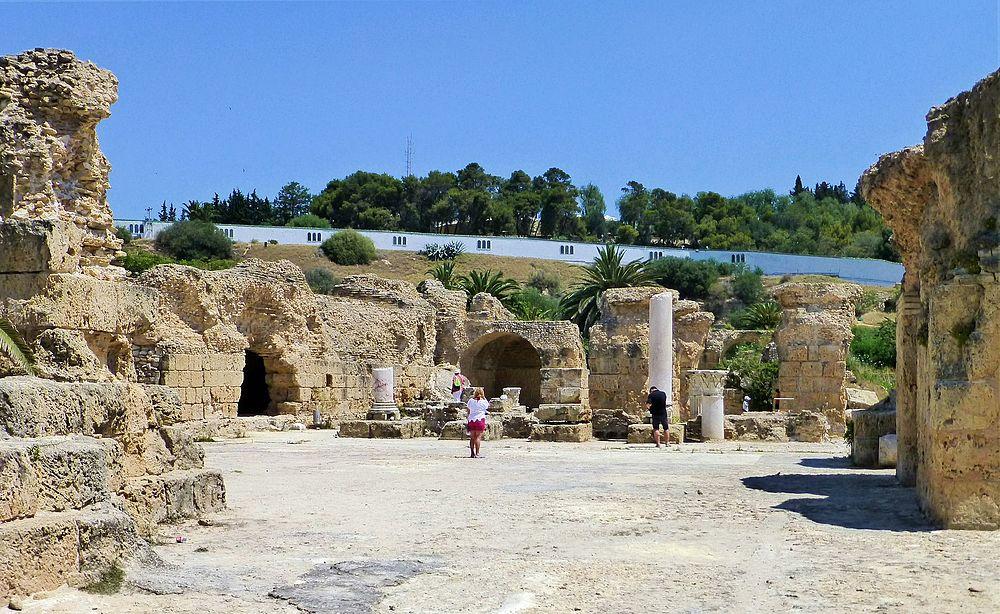 Tunezja,_Kartagina,_parter_Term_Antoniusza_-_panoramio